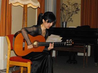 Xuefei in concert
